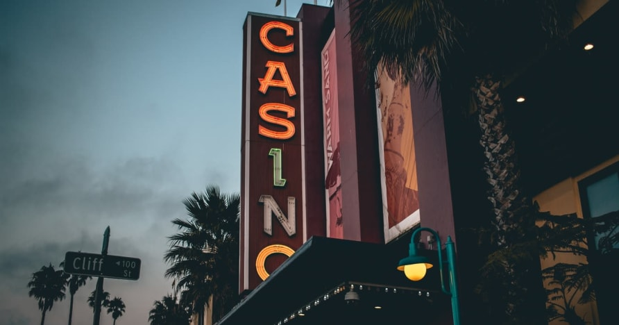 Casino en línea vs. Casino en tierra: conozca los beneficios